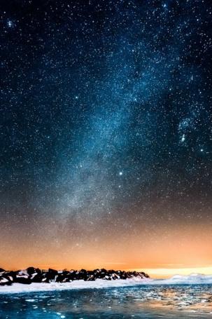 Фото Млечный путь над морем