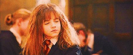 Фото Эмма Уотсон / Emma Watson посмотрела на себя в будущем