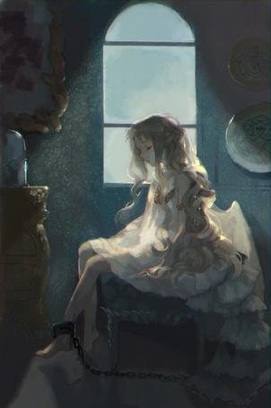 Фото Девушка-ангел, прикованная цепью