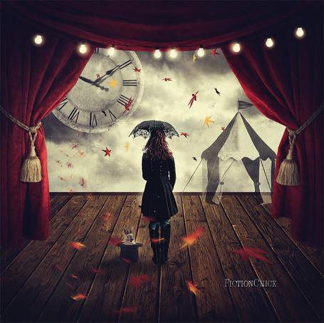 Фото Девушка под зонтом и кролик в цилиндре, работа FictionChick