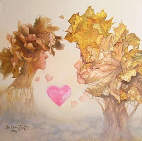 Фото Два осенних дерева в виде мужчины и женщины тянутся друг к другу, между ними сердечко, рисунок Лизы Рэй
