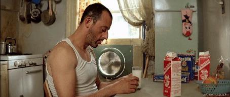 Фото Кадр из фильма Леон / Leon (1994), в роли Леона Жан Рено / Jean Reno