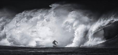 Фото Мужчина на доске поймал волну, by Toby Harriman