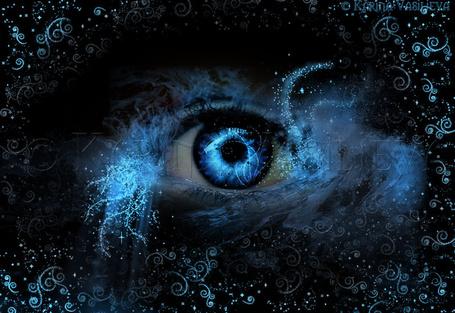 Фото Глаз с абстрактным рисунком, напоминающим водную стихию, by RiNymph