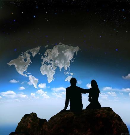 Фото Парень и девушка сидят на камне на фоне облачного неба, ву Игорь Зенин