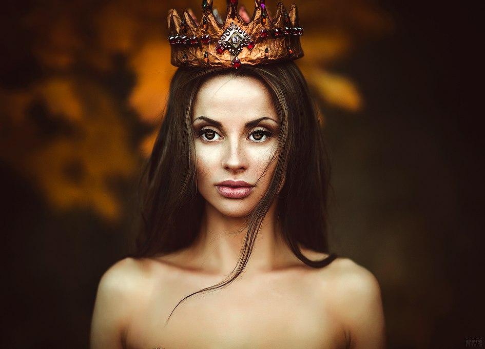 Фото королевы на аву 173