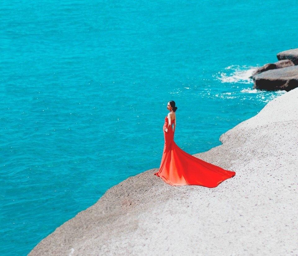 узнать сколько красные платья у моря фото просто проследим, как