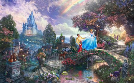 Фото Золушка и принц идут по мосту из диснеевского мультфильма Золушка