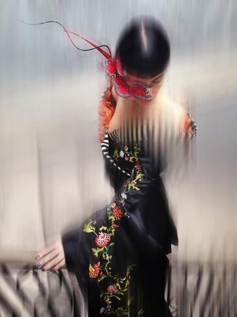 Фото Девушка в японском наряде с бабочками на лице, by-nick-knight