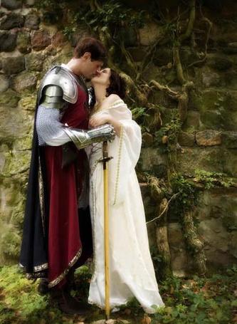 Фото Влюбленный король Артур и леди Гвиневра из сказаний о Камелоте