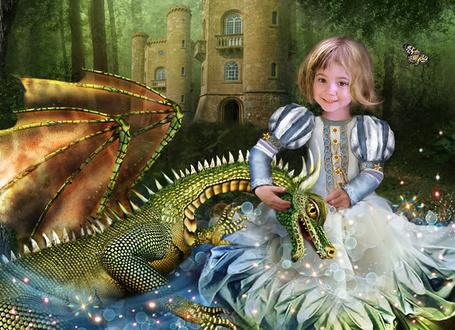 Фото Маленькая принцесса Фантагиро, возле своего замка в лесу, играет со своим другом Дракошей - крылатым Драконом