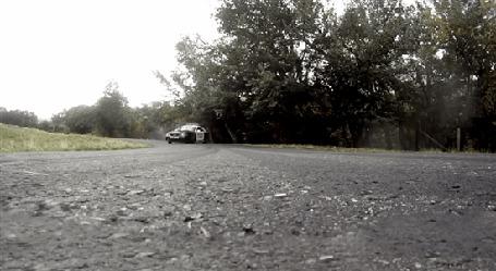 Фото Полицейскую машину заносит на повороте