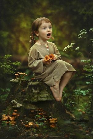 Фото Девочка с удивленным выражением лица, фотограф Наталья Законова