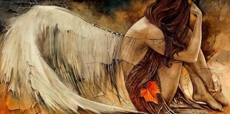Фото Полуобнаженная девушка Ангел с белыми крыльями на спине, с осенним кленовым листом на одежде сидит на абстрактном фоне, наклонив голову и приложив к ней руку, художник Lidia Wylangowska