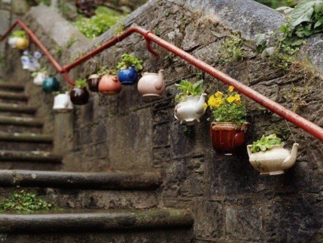 нашем что можно сделать из старых вещей в саду работы