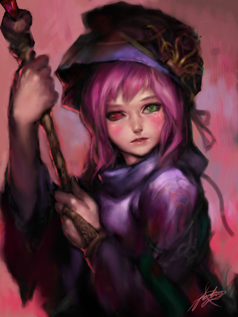 Фото Девушка с разноцветными глазами держит в руках посох