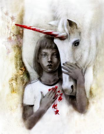 Фото Девочка и единорог с окровавленным рогом