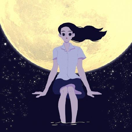 Фото Девушка сидит на ветру, опустив ноги в воду, на фоне полной луны