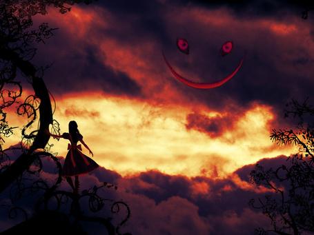 Фото Девушка стоит у дерева на фоне облаков, где видна улыбка и глаза, by TrickstersShadow