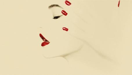 Фото Рука с красным маникюром, профиль и глаз девушки