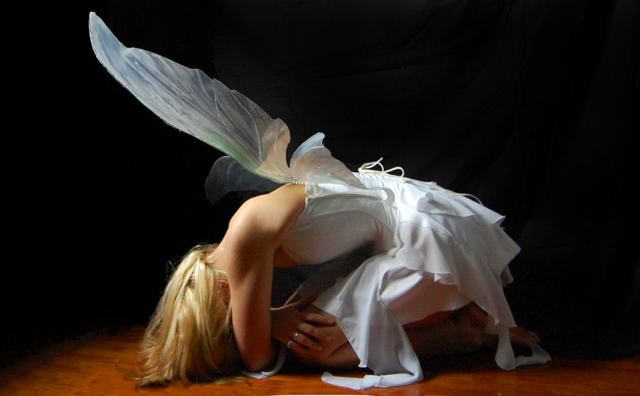 трахает ангелочка на полу россии были