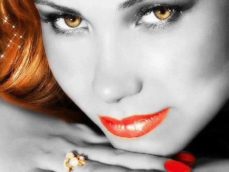 Фото Девушка с анимироваными глазами, в бликах