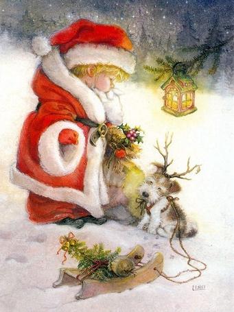 Фото Маленький мальчик в костюме Санта Клауса стоит с мешком подарков возле дерева, на ветке которого светит фонарь в виде домика, рядом сидит щенок с привязанными на голове оленьими рогами, привязанный к игрушечным саням, авторLisi Martin