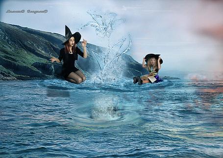 Фото Две ведьмочки изучают магию воды