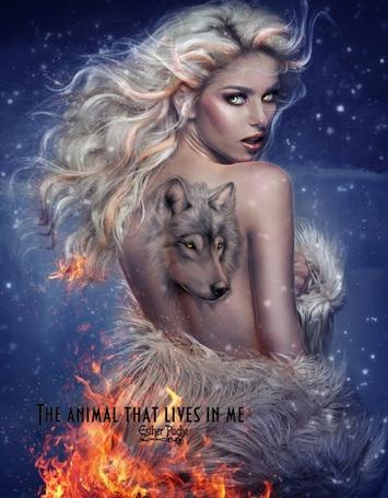 Фото Девушка с татуировкой волка на оголенной спине, снизу поднимается пламя огня, подхватив кончики длинных светлых волос, (The animal that lives in me / Зверь, который живет во мне), by Estherpuche