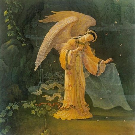 Фото Девушка - ангел стоит на фоне природы, художник Кинуко Крафт