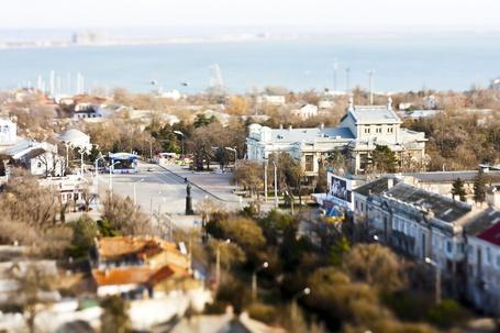 Фото Главная площадь города. Памятник генералу Токареву