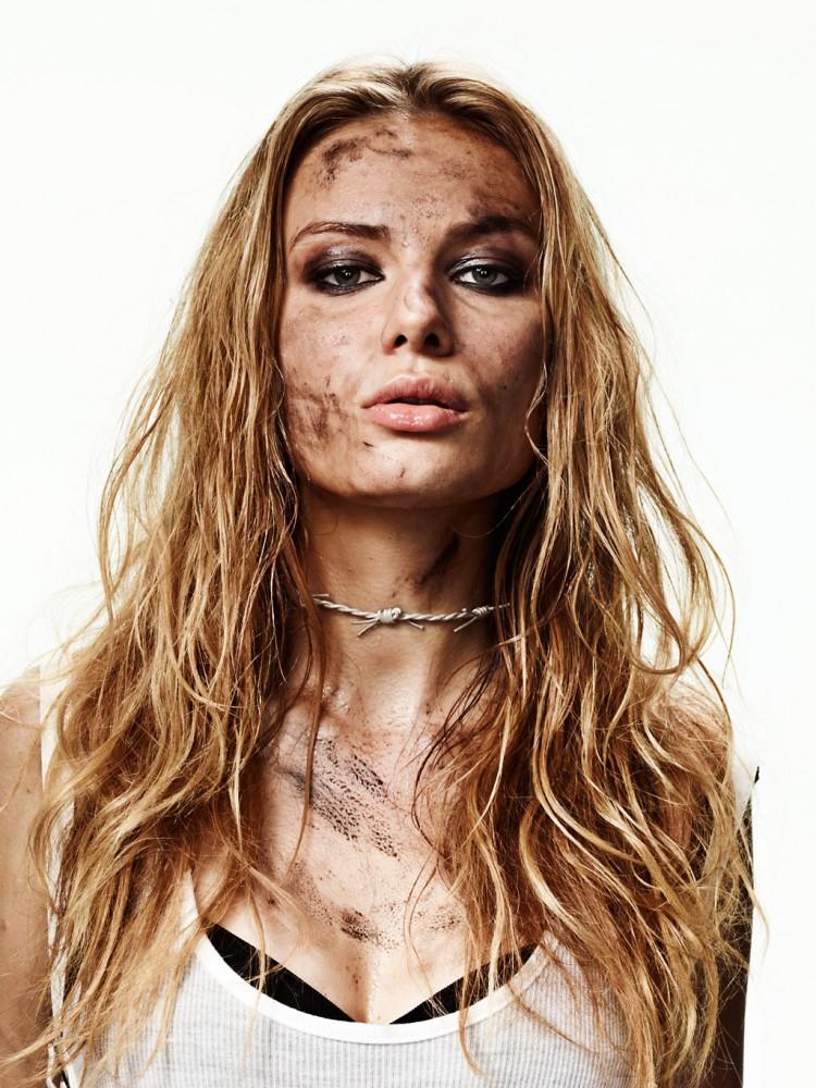 лицо девушкам фото испачкали