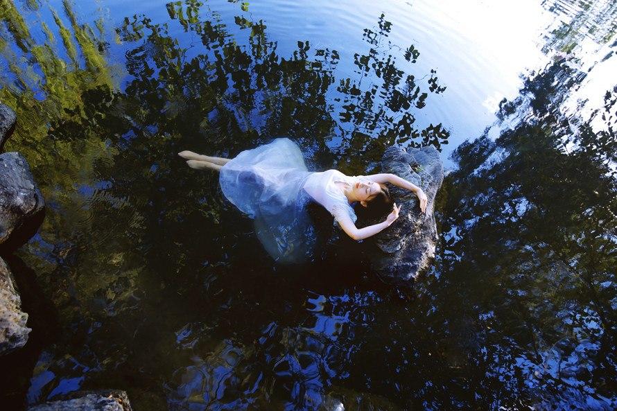 В воде в которой пузыри 1960 - dans leau qui fait des