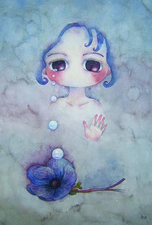 Фото Плачущая девочка тянет руку к лежащему перед ней цветку