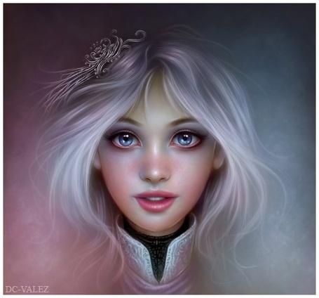 Фото Светловолосая девушка с голубыми глазами