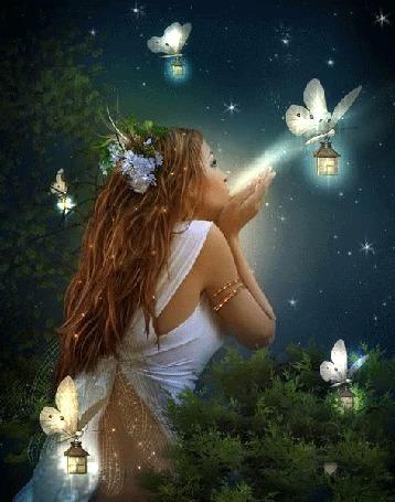 Фото Девушка в окружении бабочек с фонариками