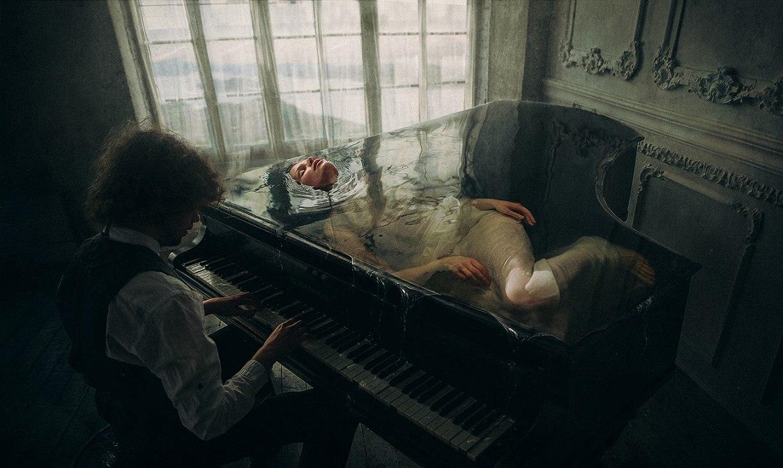 Секс на пианино мужчина послушал 23 фотография