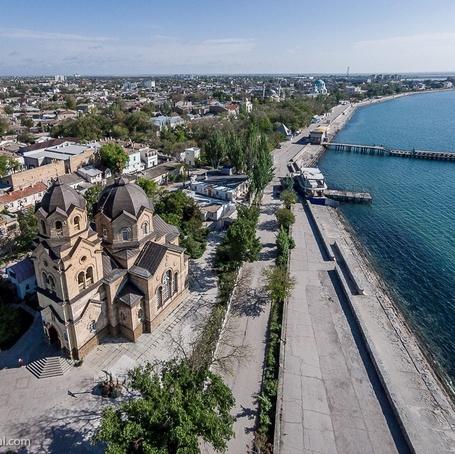 Фото Вид сверху на городскую набережную. Евпатория, Крым, Россия / Evpatoria, Crimea, Russia