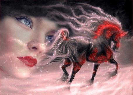 Фото Лицо голубоглазой девушки и огненная лошадь бегущая по пелене из розового тумана