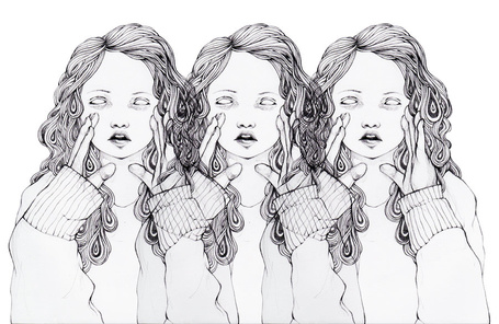 Фото Три одинаковые девушки