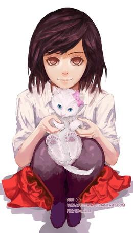 Фото Девушка с белым котенком на руках