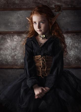 Фото Девочка-эльф в черном платье