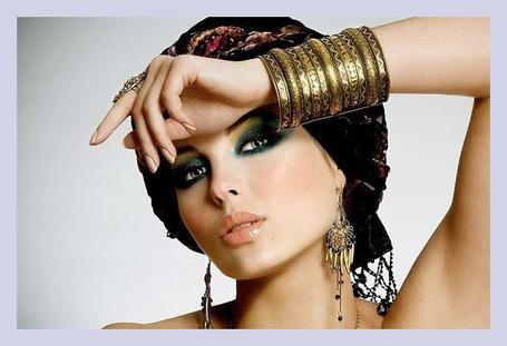 Фото Девушка в восточных украшениях, ву Fernando cagigas: http://photo.99px.ru/photos/205795/