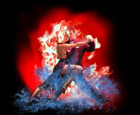 Фото Страстный танец огня и воды