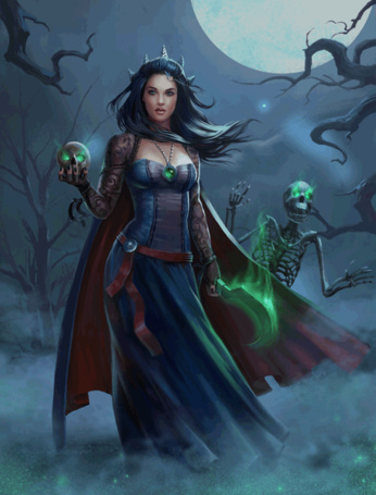 Фото Девушка с черепом и серпом в руках стоит окутанная туманом на фоне ночного неба и луны