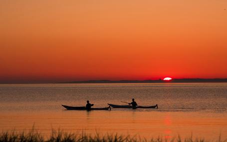 Фото Водный туризм на закате солнца