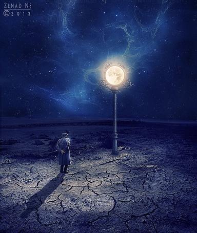 Фото На потрескавшейся от жары земле стоит пожилой мужчина, перед фонарем на столбе со светящимся шаром, Zenad Ns