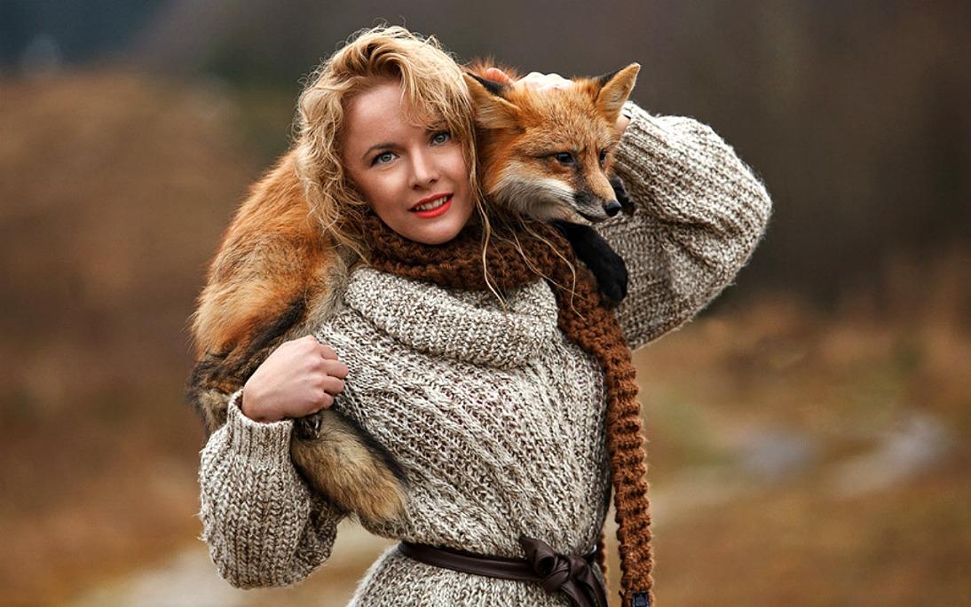 Фото человека лисы