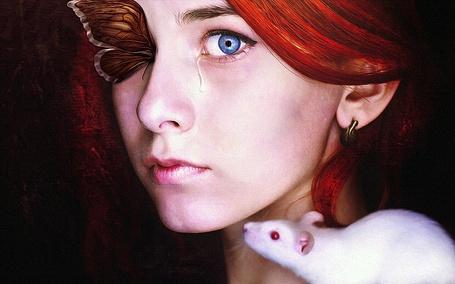 Фото Рыжеволосая девушка со слезой с голубого глаза, с бабочкой на втором глазу и белой крыской на плече, MachiavelliCros DeviantAr