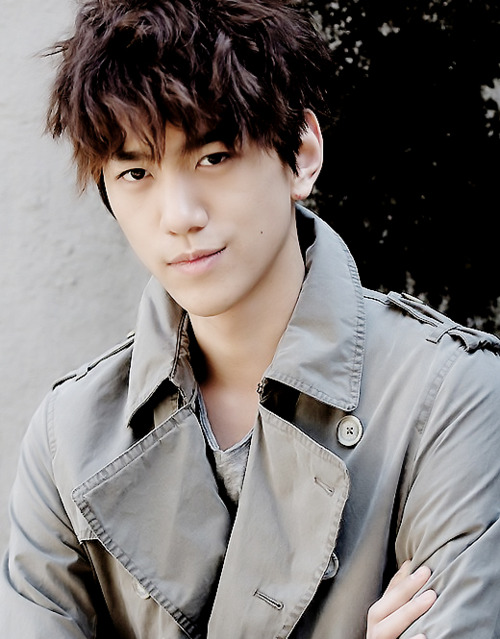 Фото Южнокорейский актер Сон Джун
